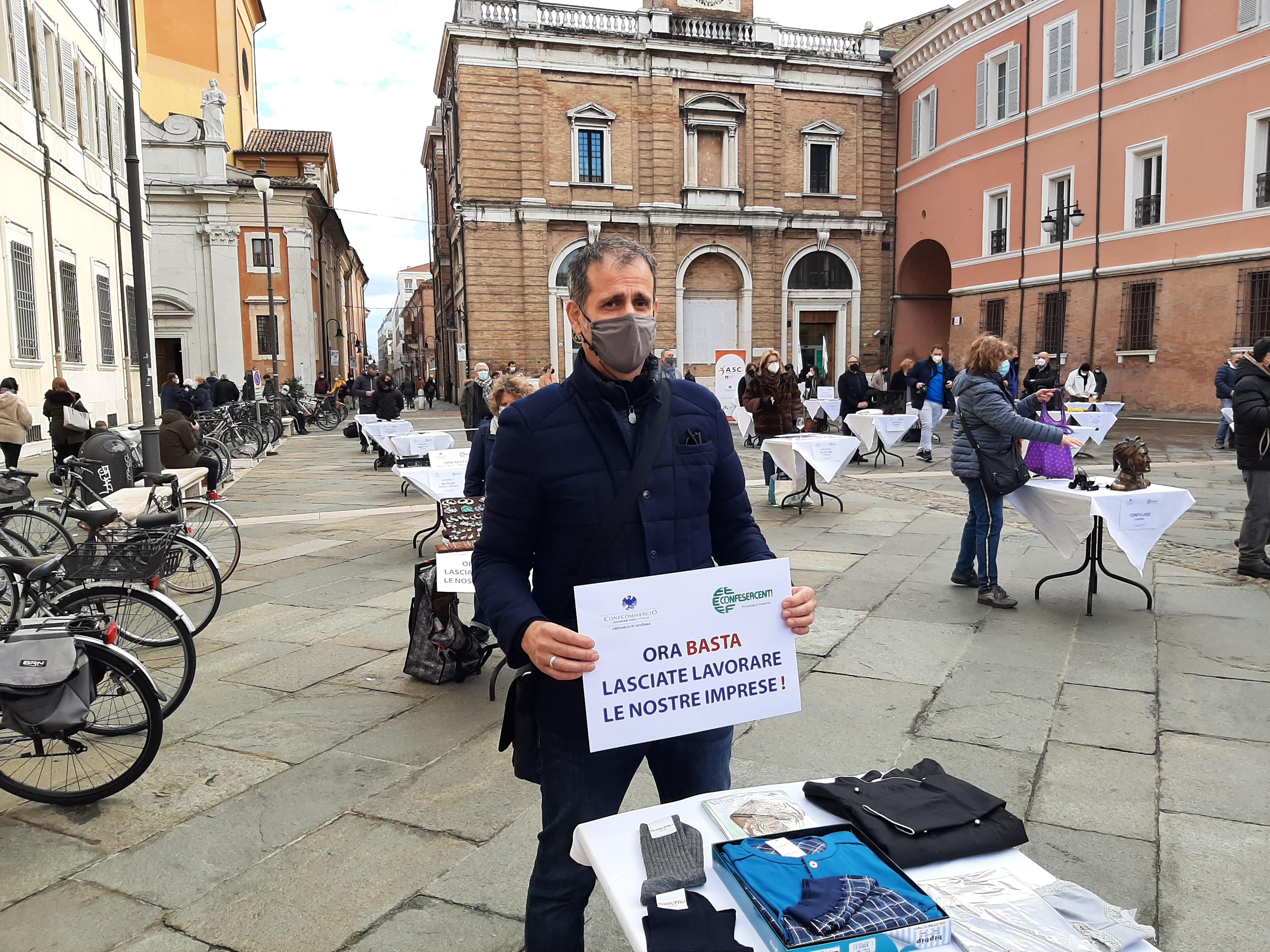 MANIFESTAZIONE CONFCOMMERCIO E CONFESERCENTI 'IL SILENZIO DEGLI IMPRENDITORI'